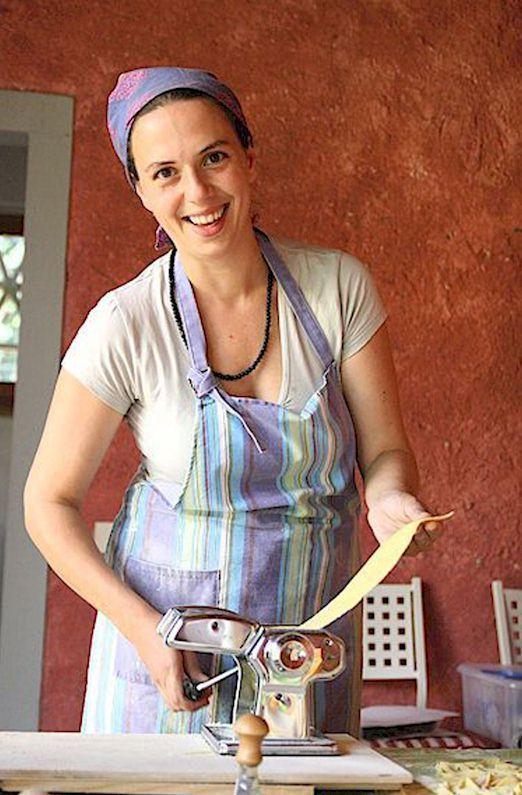 4010 elisa making pasta
