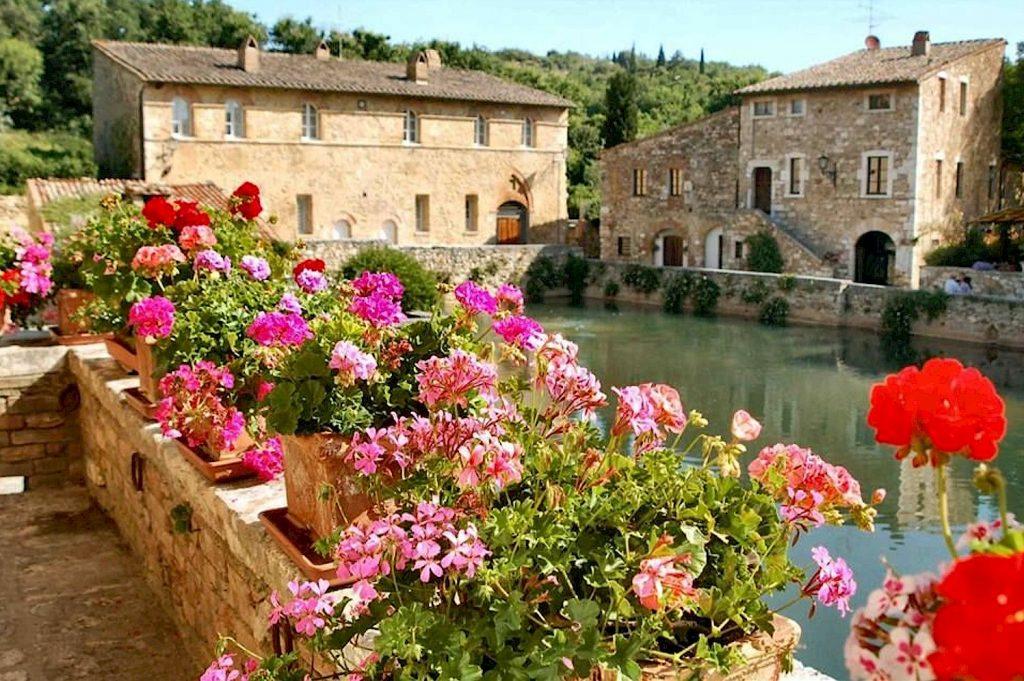 Bagno Vignoni Tuscany