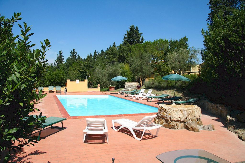 vacation rental agency in Tuscany
