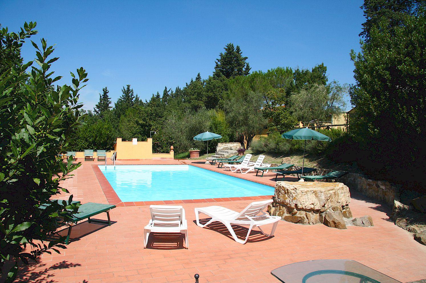 vacation rental agency in Tuscany