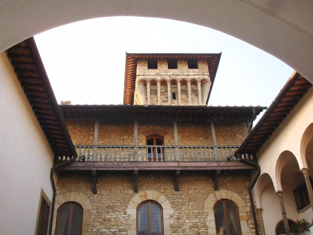The courtyard of Castello di Vicchiomaggio