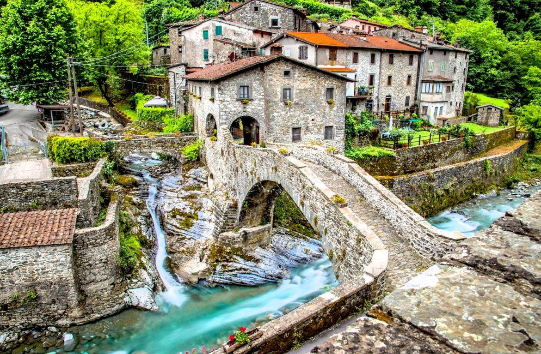 Ponte Colandi at Fabbriche di Vallico, Province of Lucca
